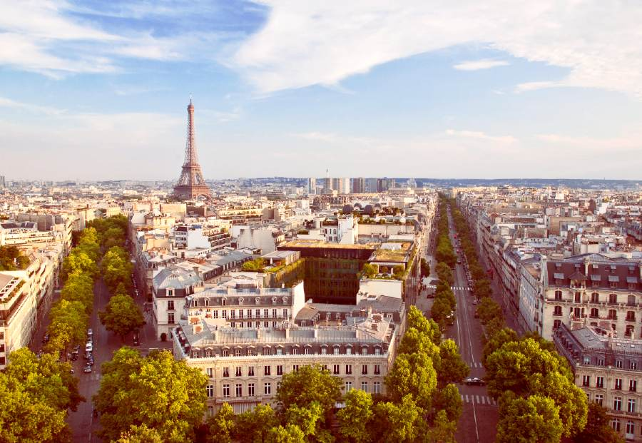 arc de Triomphe is one of the best places to visit in Paris