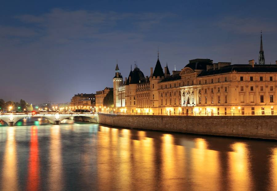 things to do in the evening in paris