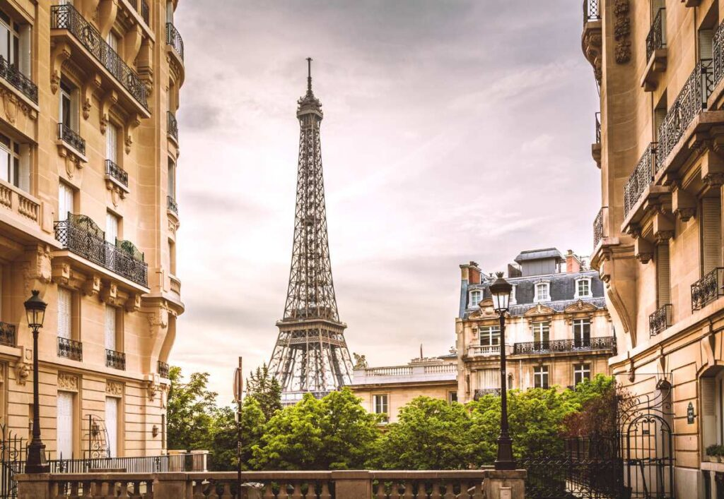 Best Hotels with Eiffel Tower View in Paris