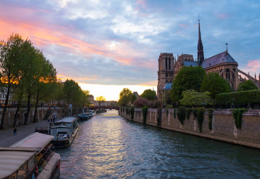 Admiring Notre Dame Cathedral is one of the Paris bucket list things to do