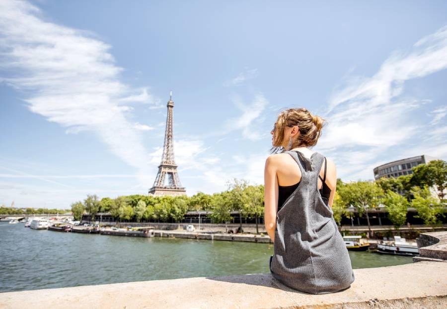 what to wear in paris summer