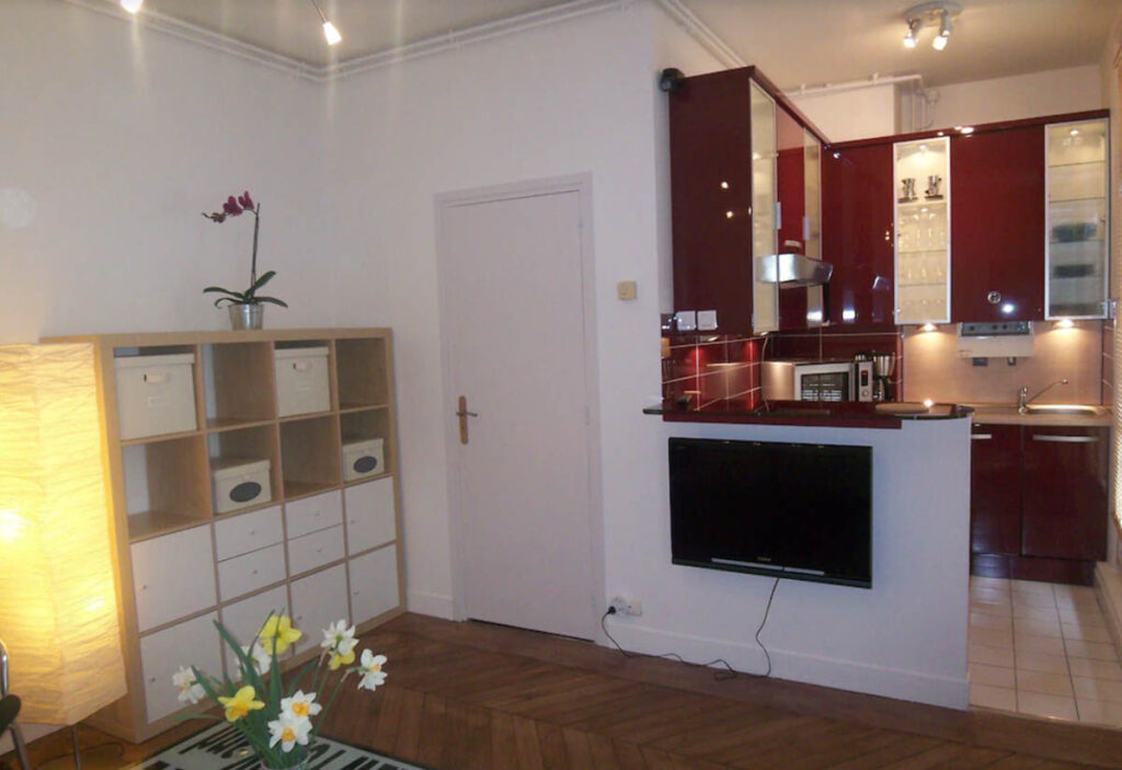 This 2 BR Apartment in Montorgueil-St Denis neighborhood is one of the Paris apartment vacation rentals