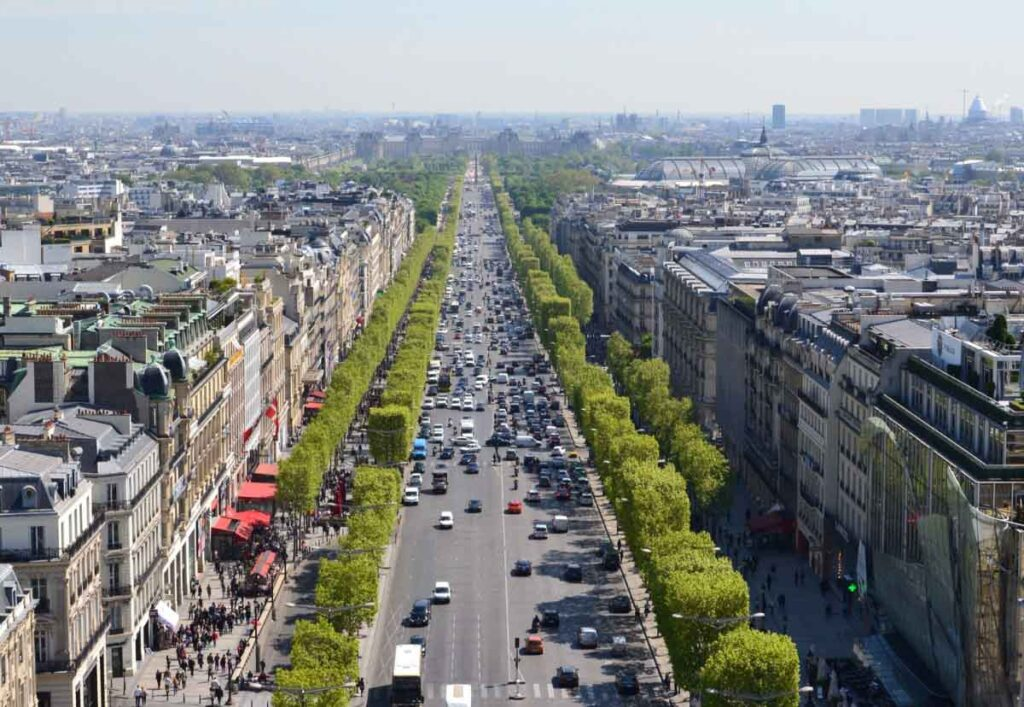 window shopping at Champs-Élysées is one of the fun things to do in Paris