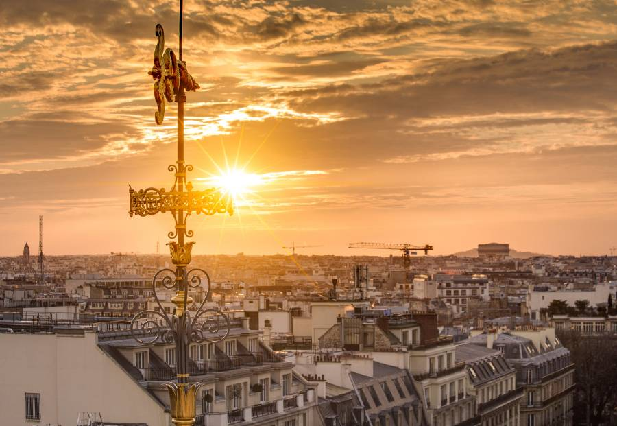 Shopping and watching a sunset at Galerie Lafayette is one of the things to do while in Paris for a weekend