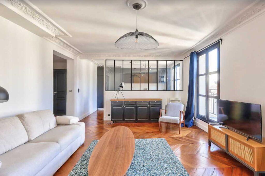 This Large & Quiet Apartment in Quartier du Mail is one of the beautiful Paris apartments