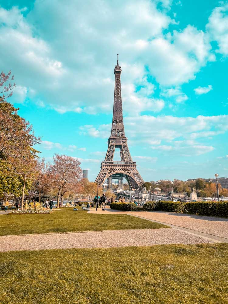 Strolling through Trocadero gardens is one  of the things to do on your weekend trip to Paris