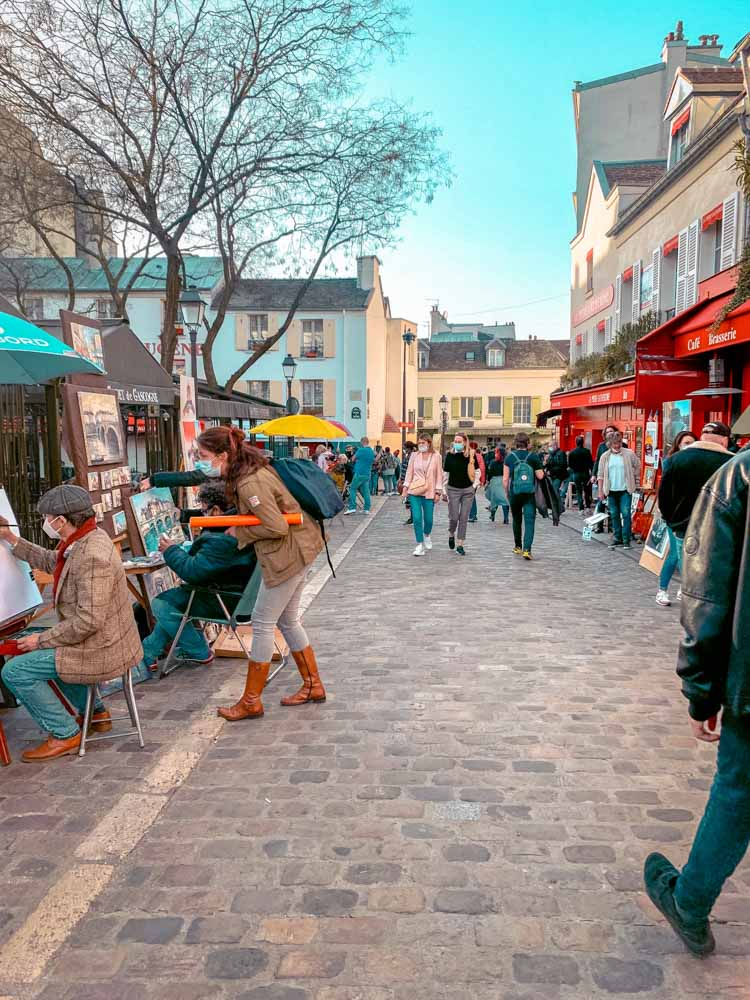 Exploring Montmartre streets is one of the things to do on your weekend in Paris