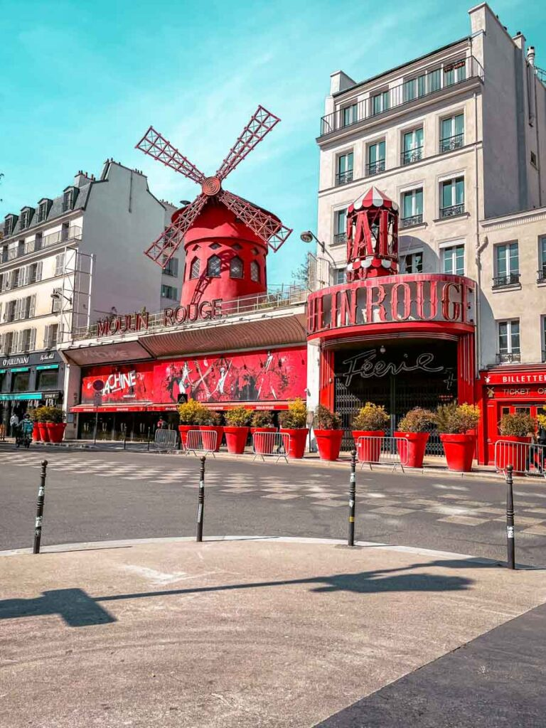 watching a cabaret show at moulin rouge is one of the things to do in Paris in 2 days