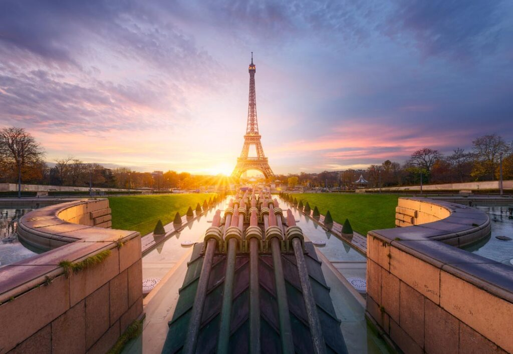 watching a sunset at Trocadero is one of the best things to do in Paris