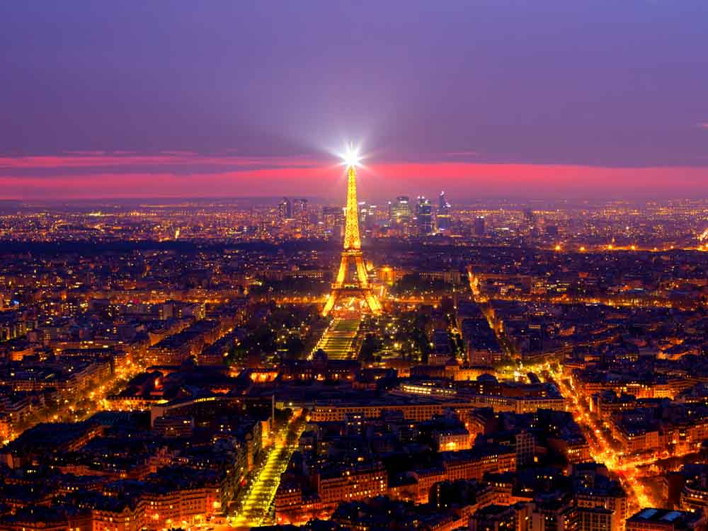 Watching the Eiffel Tower sparkle is one of the romantic things in Paris to do